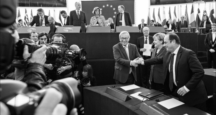 Merkelova a Hollande 750