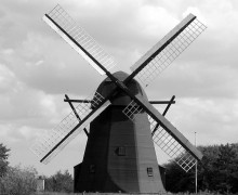 Windmill_in_Vendsyssel_2004_ubt